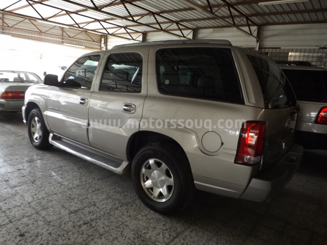 Motors souq used car for sale in bahrain cadillac escalade model 2006